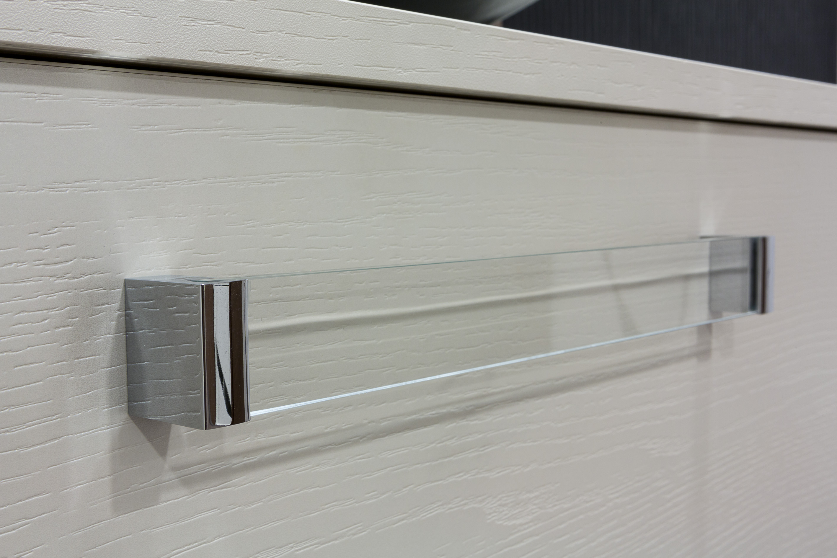 Glass deco handle from Viefe