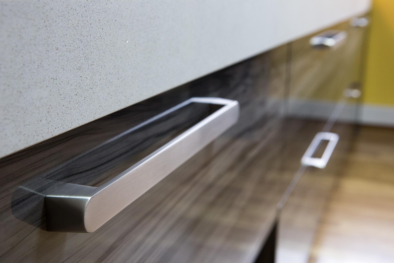 Tiradores para cocinas de tendencia handles for - Tiradores para muebles de cocina ...