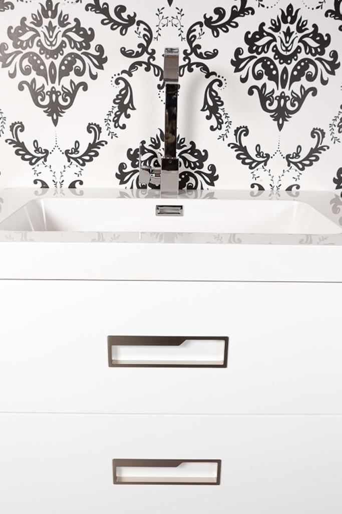 Tiradores integrados en muebles de baño blancos / Built-in handles ...