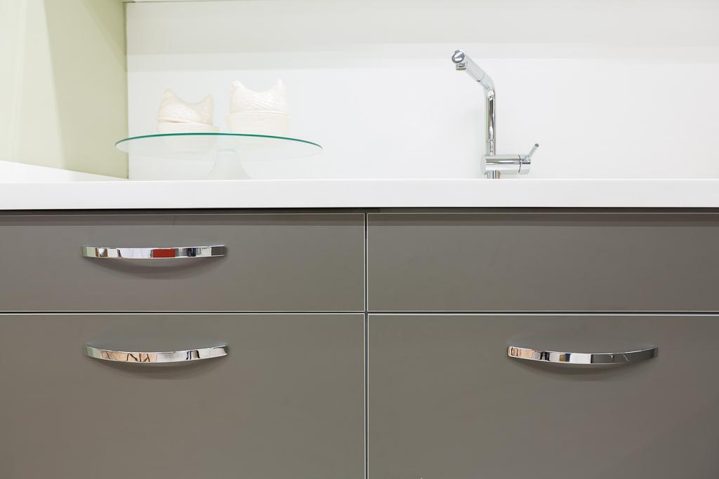 Tirador de cocina Arch by Viefe. Kitchen handle Arch by Viefe.