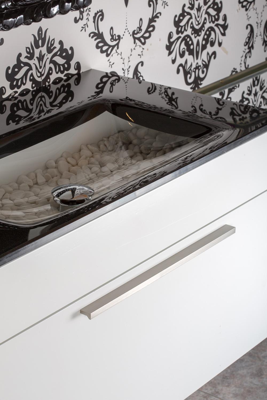 Aluminium handlefor kitchens Angle by Viefe. Tirador de aluminio para baños Angle de Viefe.