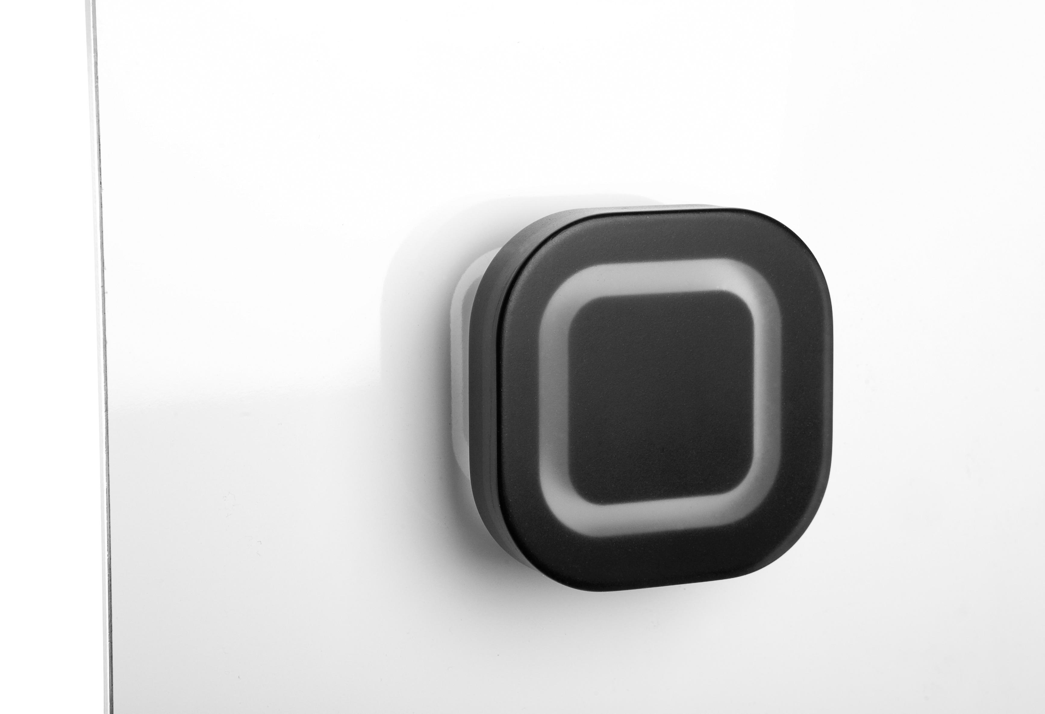 Pomos blancos y negros Monza de Viefe. Black and white knobs of Viefe.