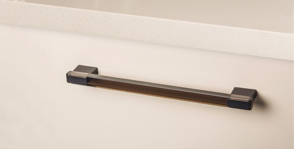 Tirador de cocina Rec de Viefe. Kitchen handle Rec by Viefe.