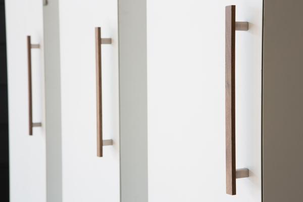 Ara w tiradores de madera y aluminio ara w wooden and - Tiradores de cocina ...